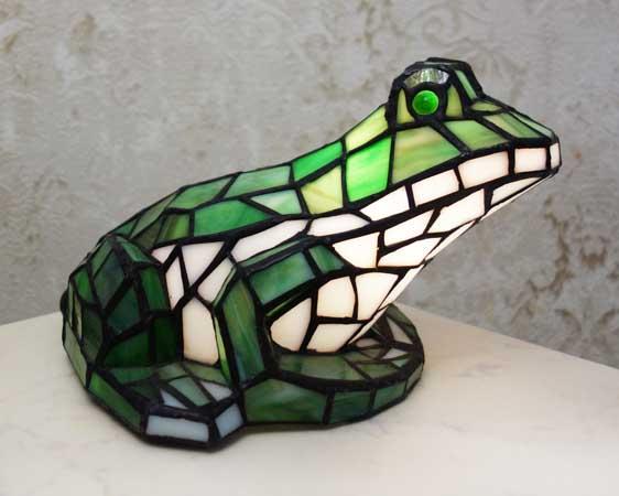 Декоративный светильник -