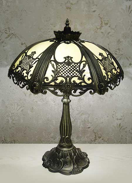 Настольная лампа T 003 A