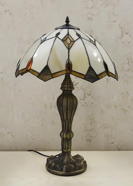 Настольная лампа T 832