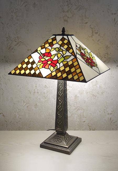 Настольная лампа TLS 1833