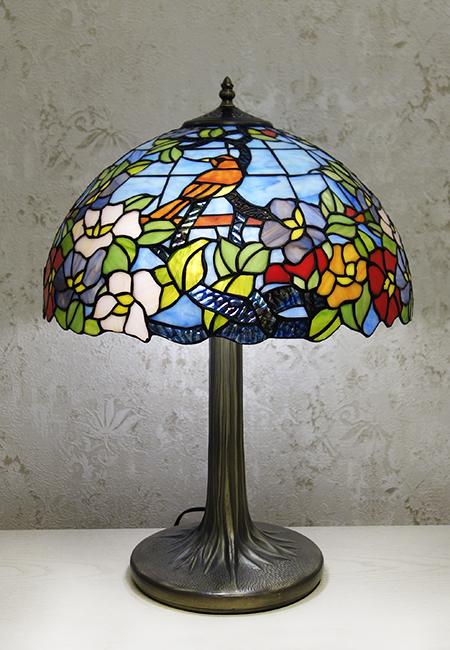 Настольная лампа T 005